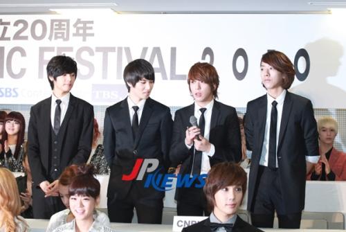 [NEWS] Big Bang, 2NE1, KARA, 4minute, CNBLUE e mais se reunem para o FESTIVAL DE MÚSICA SEOUL TOKYO 2010 20101103-seoultokyofestival-1